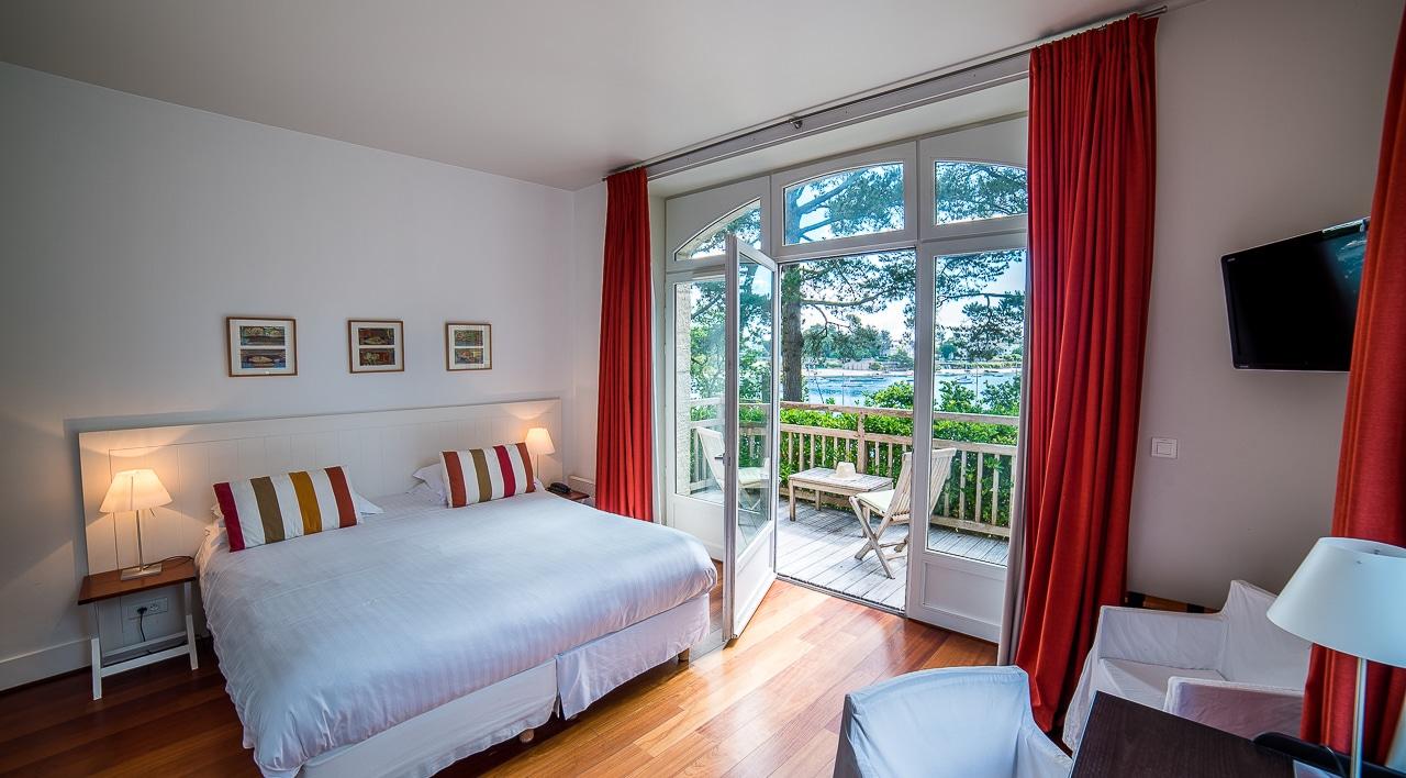 Grande chambre avec splendide vue sur mer