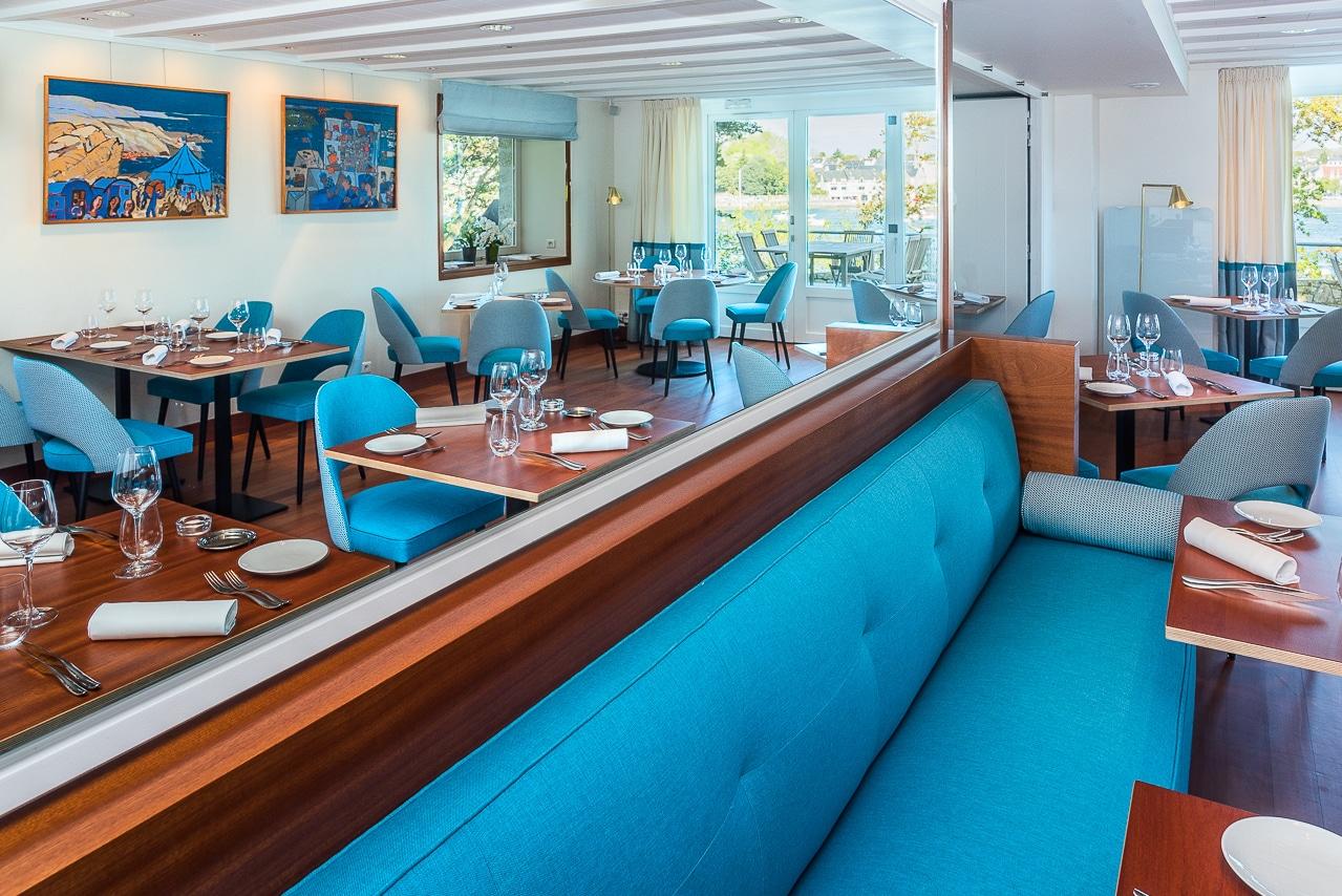Salle de restaurant bleu - les trois rochers
