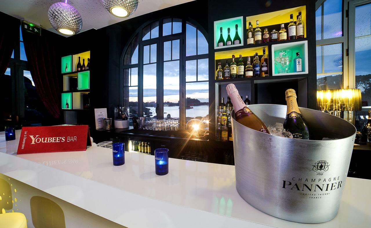 Seau à Champagne Pannier sur le bar